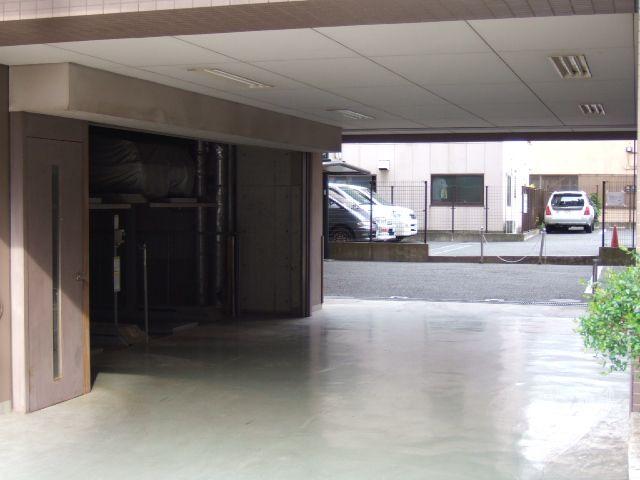 グリーンコート駐車場
